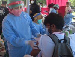 Vaksinasi Massal Disambut Antusias Ribuan Masyarakat