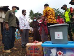 Dua Rumah Terbakar di Dua Kecamatan Dapat Bantuan dari PMI Batang