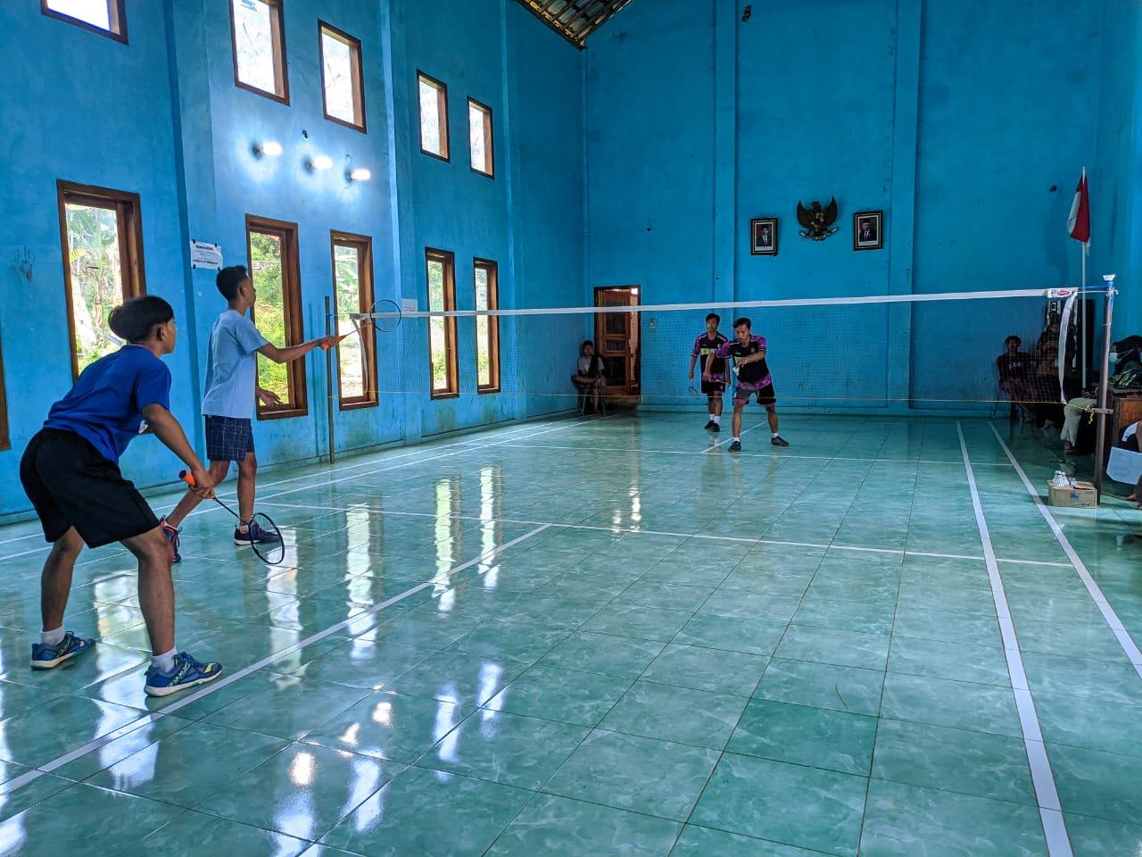 Turnamen Bulu Tangkis dalam Rangka Menyemarakkan HUT Ke-76 RI di Desa Toso, Kecamatan Bandar, Sabtu (21/8/2021).