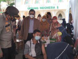 Ratusan Santri PM Tazakka Jalani Vaksinasi COVID-19